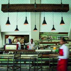 Отель Victoria Beachcomber Resort & Spa гостиничный бар
