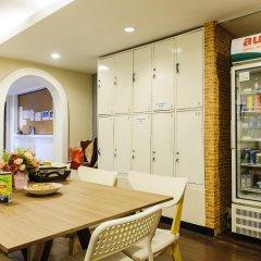 I-Sleep Silom Hostel питание фото 3