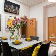 Отель Absynt Hostel Польша, Вроцлав - отзывы, цены и фото номеров - забронировать отель Absynt Hostel онлайн помещение для мероприятий фото 2