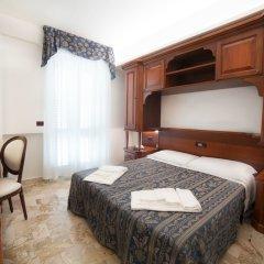Отель La Giara Чефалу сейф в номере