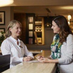 Отель Bull Hotel Великобритания, Халстед - отзывы, цены и фото номеров - забронировать отель Bull Hotel онлайн гостиничный бар
