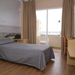 Отель EIX Platja Daurada комната для гостей