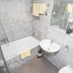 Отель Carlton Opera ванная