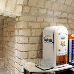 Отель Sure Hotel by Best Western Paris Gare du Nord Франция, Париж - 12 отзывов об отеле, цены и фото номеров - забронировать отель Sure Hotel by Best Western Paris Gare du Nord онлайн питание фото 3