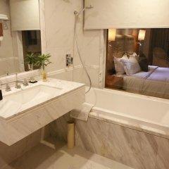 Отель Customs Hotel Китай, Гуанчжоу - отзывы, цены и фото номеров - забронировать отель Customs Hotel онлайн ванная
