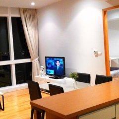 Отель 1 Bedroom at Millennuim Residence Sukhumvit комната для гостей фото 2