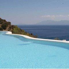 Отель Mitsis Family Village Beach Hotel Греция, Нисирос - отзывы, цены и фото номеров - забронировать отель Mitsis Family Village Beach Hotel онлайн бассейн фото 2