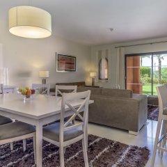 Апартаменты Amendoeira Golf Resort - Apartments and villas комната для гостей фото 18