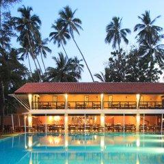 Отель Avani Bentota Resort Шри-Ланка, Бентота - 2 отзыва об отеле, цены и фото номеров - забронировать отель Avani Bentota Resort онлайн бассейн фото 2