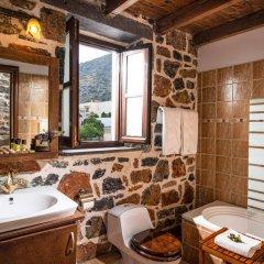 Отель Balsamico Traditional Suites Греция, Херсониссос - отзывы, цены и фото номеров - забронировать отель Balsamico Traditional Suites онлайн ванная