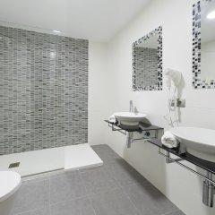 Отель Playasol Lei Ibiza - Adults Only Испания, Ивиса - 1 отзыв об отеле, цены и фото номеров - забронировать отель Playasol Lei Ibiza - Adults Only онлайн ванная