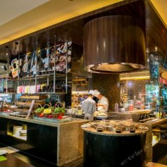 V-Continent Parkview Wuzhou Hotel развлечения