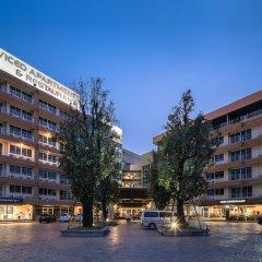 Отель The Tepp Serviced Apartment Таиланд, Бангкок - отзывы, цены и фото номеров - забронировать отель The Tepp Serviced Apartment онлайн парковка