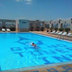 Grand Tower Inn Rama VI Hotel бассейн