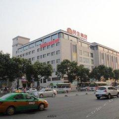 Отель Jinjiang Inn (Xi'an Wujiao Subway Station Airport Bus) Китай, Сиань - отзывы, цены и фото номеров - забронировать отель Jinjiang Inn (Xi'an Wujiao Subway Station Airport Bus) онлайн парковка