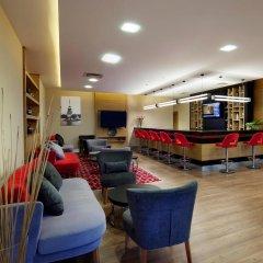 Отель Hilton Garden Inn Istanbul Golden Horn гостиничный бар