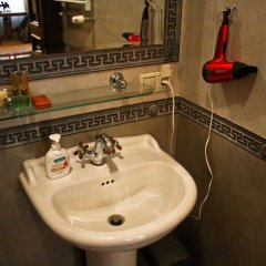 Отель British Club Львов ванная фото 2