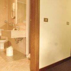 Отель Albergo Santa Chiara Италия, Рим - отзывы, цены и фото номеров - забронировать отель Albergo Santa Chiara онлайн ванная фото 2