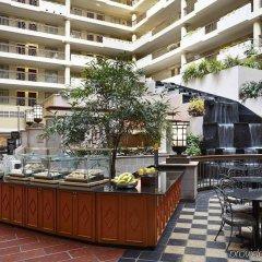 Отель Embassy Suites by Hilton Washington D.C. Georgetown США, Вашингтон - отзывы, цены и фото номеров - забронировать отель Embassy Suites by Hilton Washington D.C. Georgetown онлайн питание фото 2
