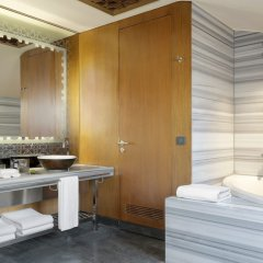 W Istanbul - Special Class Турция, Стамбул - 1 отзыв об отеле, цены и фото номеров - забронировать отель W Istanbul - Special Class онлайн ванная фото 2