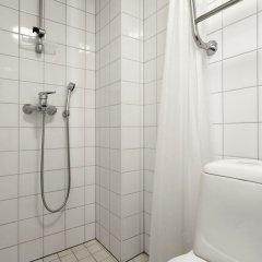 Отель WeHost Malminkatu 22 Финляндия, Хельсинки - отзывы, цены и фото номеров - забронировать отель WeHost Malminkatu 22 онлайн ванная