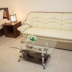 Отель Kv Mansion Бангкок комната для гостей фото 2