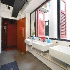 RedDoorz Hostel near Chinatown MRT Сингапур ванная
