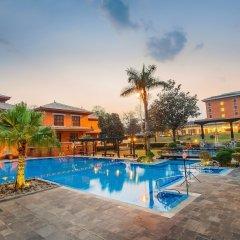 Отель Crowne Plaza Hotel Kathmandu-Soaltee Непал, Катманду - отзывы, цены и фото номеров - забронировать отель Crowne Plaza Hotel Kathmandu-Soaltee онлайн бассейн фото 2