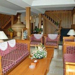 Отель Aye Thar Yar Golf Resort интерьер отеля