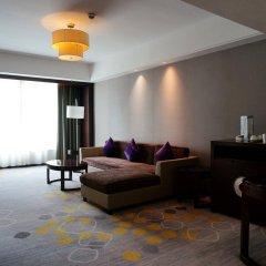 Отель Holiday Inn Shifu Гуанчжоу комната для гостей фото 3