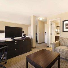 Отель Travelodge Calgary Macleod Trail Канада, Калгари - отзывы, цены и фото номеров - забронировать отель Travelodge Calgary Macleod Trail онлайн комната для гостей фото 4