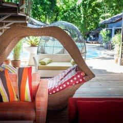 Отель Tango Beach Resort бассейн