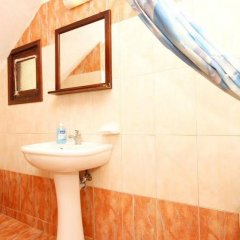 Отель Anny Studios Perissa Beach Греция, Остров Санторини - отзывы, цены и фото номеров - забронировать отель Anny Studios Perissa Beach онлайн ванная