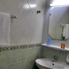 Отель Sahara Hotel Apartments ОАЭ, Шарджа - отзывы, цены и фото номеров - забронировать отель Sahara Hotel Apartments онлайн ванная фото 2