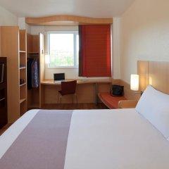 Отель ibis Barcelona Aeropuerto Viladecans комната для гостей