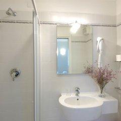 Отель Santa Margherita Guest House Италия, Венеция - отзывы, цены и фото номеров - забронировать отель Santa Margherita Guest House онлайн ванная фото 2