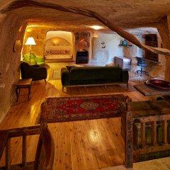 Отель Anitya Cave House бассейн