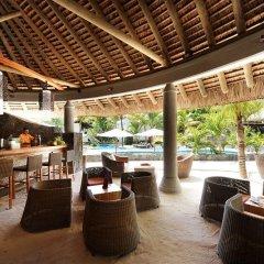 Отель Emeraude Beach Attitude гостиничный бар