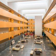 Отель TRYP Barcelona Aeropuerto Hotel Испания, Эль-Прат-де-Льобрегат - 7 отзывов об отеле, цены и фото номеров - забронировать отель TRYP Barcelona Aeropuerto Hotel онлайн интерьер отеля фото 2