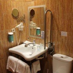 Hotel Mirador Puerta del Sol ванная