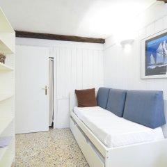 Апартаменты Calle Del Forno Apartment комната для гостей фото 2