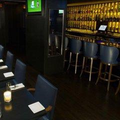 Отель Fitzpatrick Manhattan Hotel США, Нью-Йорк - отзывы, цены и фото номеров - забронировать отель Fitzpatrick Manhattan Hotel онлайн гостиничный бар