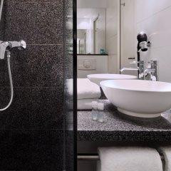 Отель Motel One Düsseldorf Hauptbahnhof ванная фото 2