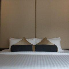 SilQ Bangkok Hotel сейф в номере
