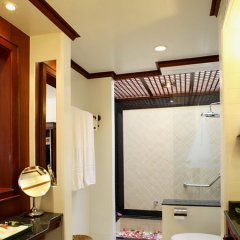 Отель The Nai Harn Phuket Пхукет сейф в номере