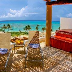 The Elements Oceanfront & Beachside Condo Hotel Плая-дель-Кармен бассейн