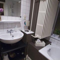 Отель B&B Brussels@Heart Бельгия, Брюссель - отзывы, цены и фото номеров - забронировать отель B&B Brussels@Heart онлайн ванная