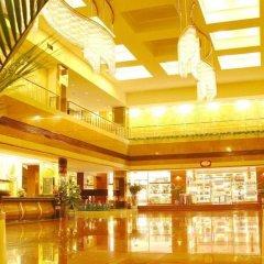 Xian Hotel бассейн