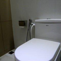 Отель Coral Queen Inn Мале ванная