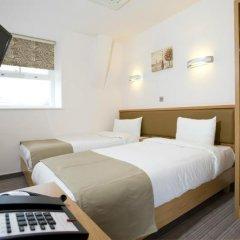 Eden Plaza Kensington Hotel сейф в номере